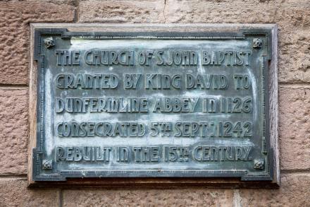 Closeup view of plaque